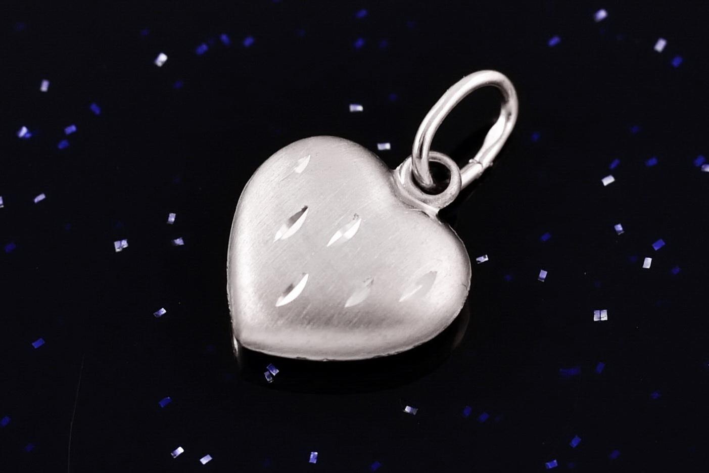 445ec4599 Zlatý přívěsek srdce bílé P044,14kt,0,35g | Zlatý řetízek - velký ...