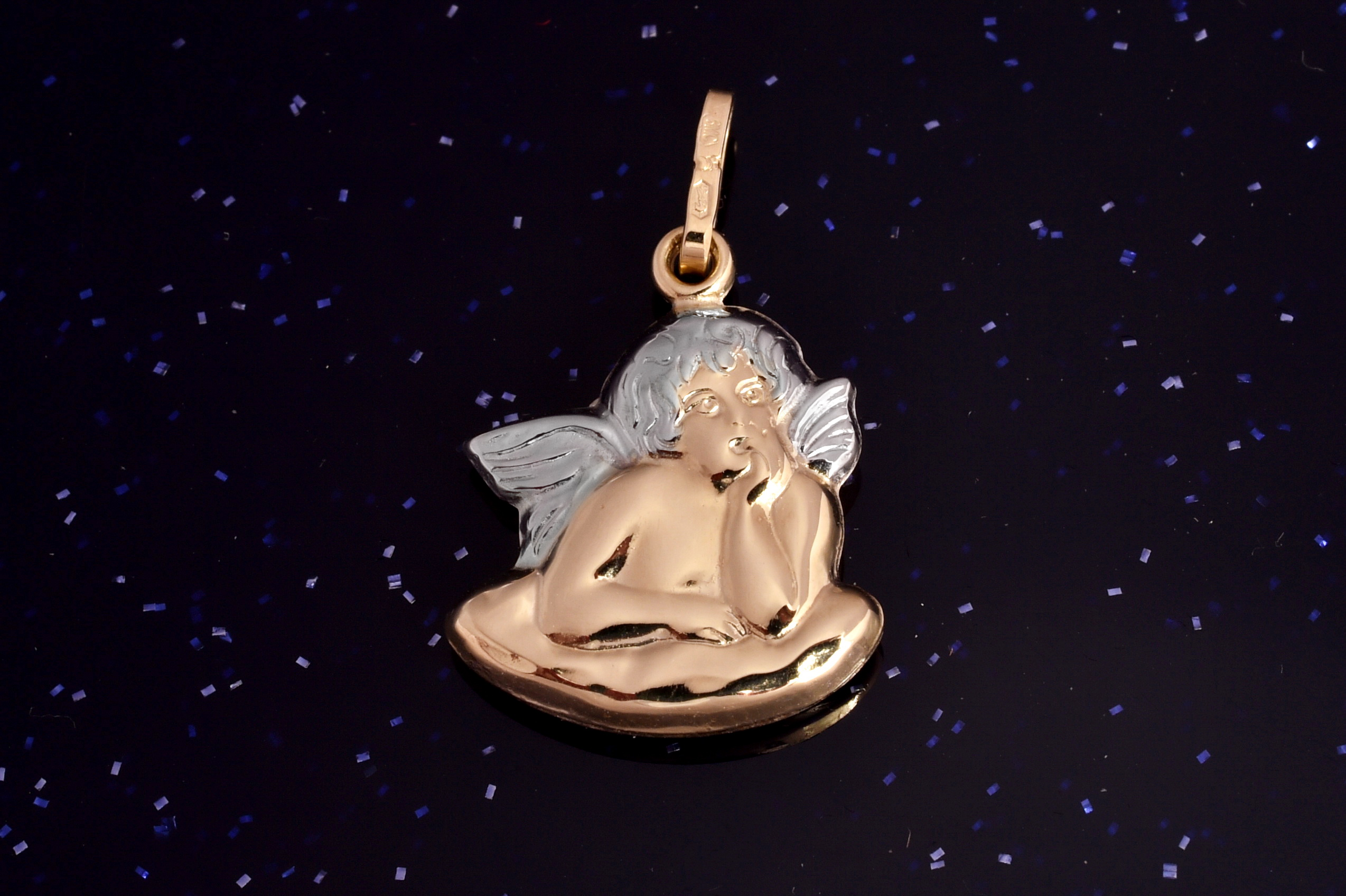 Zlatý přívěsek anděl P020 14kt,0,65g (14kt,váha 0,65g)